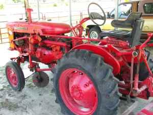Farm all Tractor - $2200 (Waycross,GA)