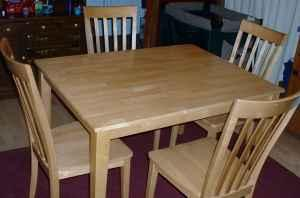 Farm Style Kitchen Table With 4 Matching Chairs Solid Heavy Set Geneva