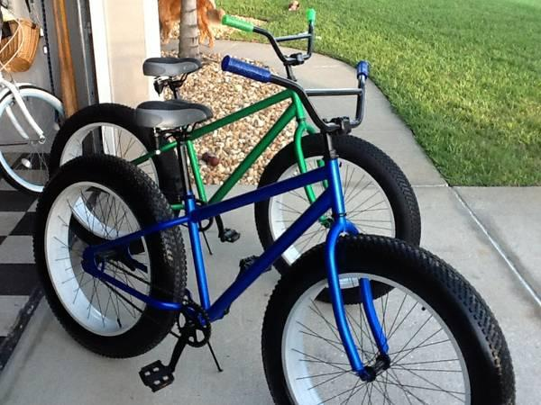 FAT TIRE BICYCLES BEACH CRUISER FOR SALE 4 TIRES - $300