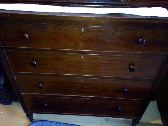 Federal style Chest of Drawers
