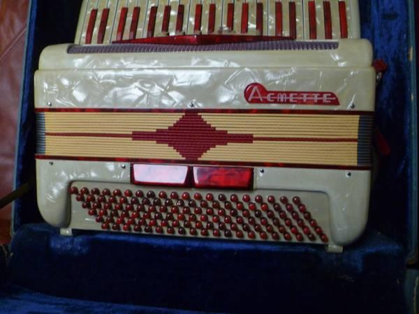 FEDERFISA Accordion Made in Italy - $375