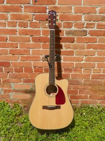 Fender CD 320ASCE Dreadnought Cutaway Acoustic Electric