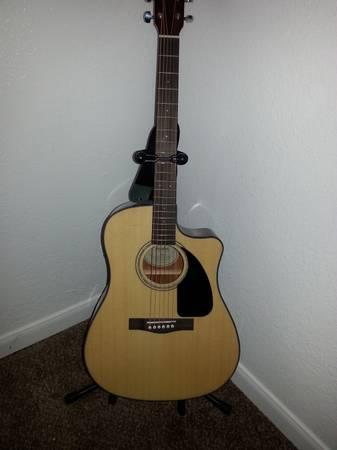 fender electric acoustic guitar with fender hard case strap for sale in tulsa. Black Bedroom Furniture Sets. Home Design Ideas