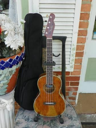 Fender Nohea Tenor Ukulele Uke Natural Koa w/ Gig Bag -