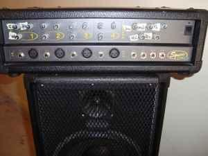 Fender Squier 4 Channel Pa Sound Speaker System