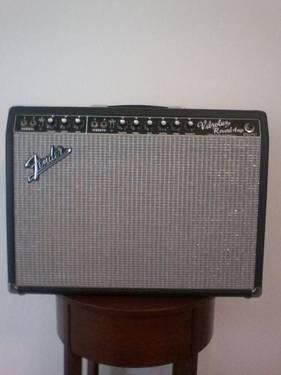 fender vibrolux reverb amp for sale in bay point california classified. Black Bedroom Furniture Sets. Home Design Ideas