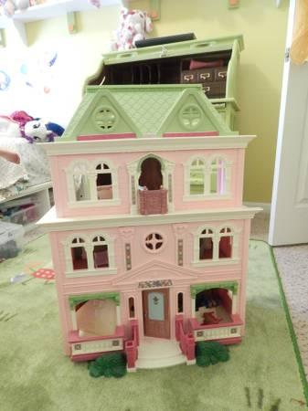 Loving Family Doll House With  Extra Large Rooms