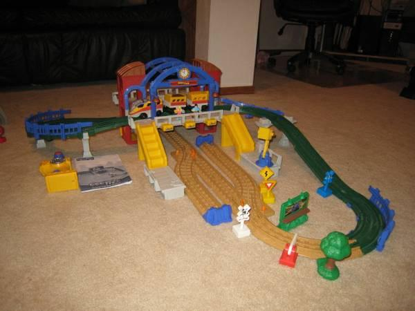 Fisher Price GeoTrax train set - for Sale in Little Chute, Wisconsin Classified | AmericanListed.com