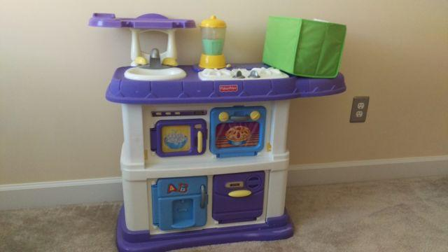 Fisher Price - Grow with Me - Kitchen Set