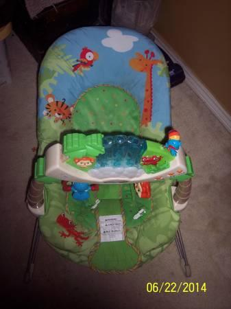 Fisher Price Jungle Bouncy seat, lot of baby boy