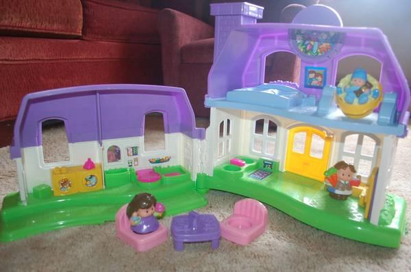 Fisher Price Little People Happy Sounds Dollhouse Home Retail