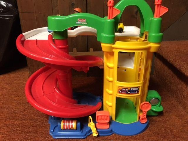 Garage Little People : Fisher price little people racin ramps garage for sale in floral