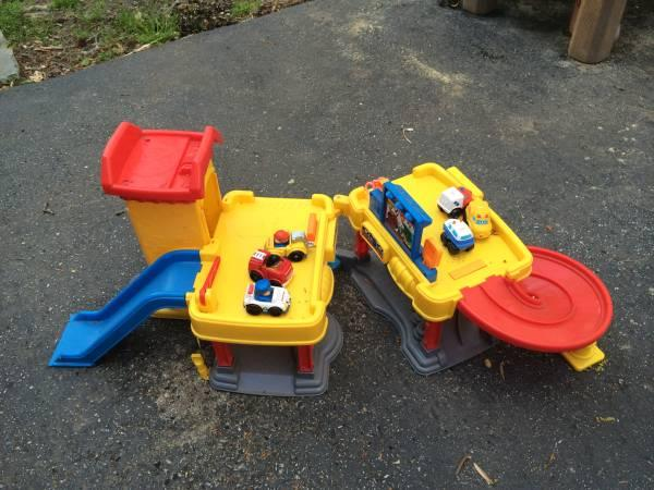 Fisher Price Little People Ramps Around Garage &