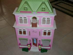 fisher price loving family doll house - $50 (round