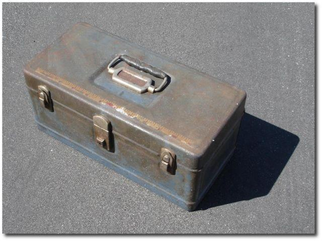 Fishing tackle box all metal vintage old school antique for Vintage fishing reels for sale