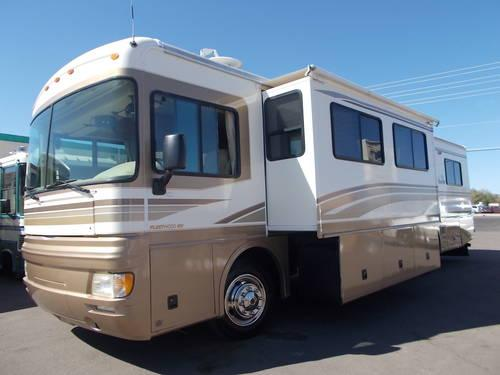Fleetwood Bounder Slide Out Turbo Diesel 37 FT Sleeps 6