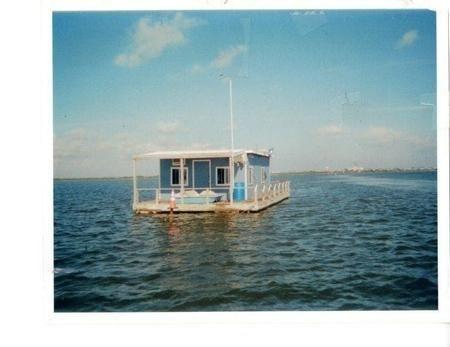 Floating cabin rentals in corpus christi tx for sale in for Fishing cabins for rent in texas