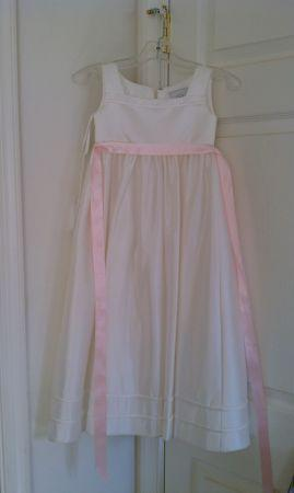 Flower girl dress - $50 (Bunker Hill,Wv.)