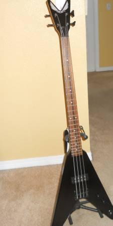 Flying V Bass Guitar Dean - $190
