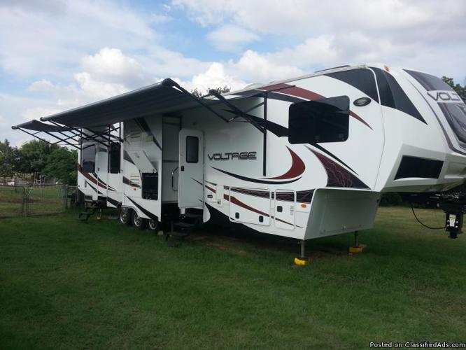 For Sale 2012 3950 Voltage 5th Wheel Toy Hauler