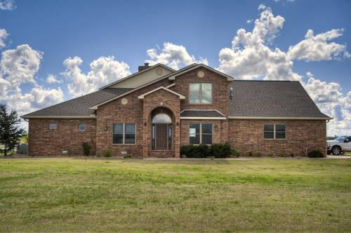 For sale 7505 danika drive enid oklahoma nice brick home for Big nice houses for sale