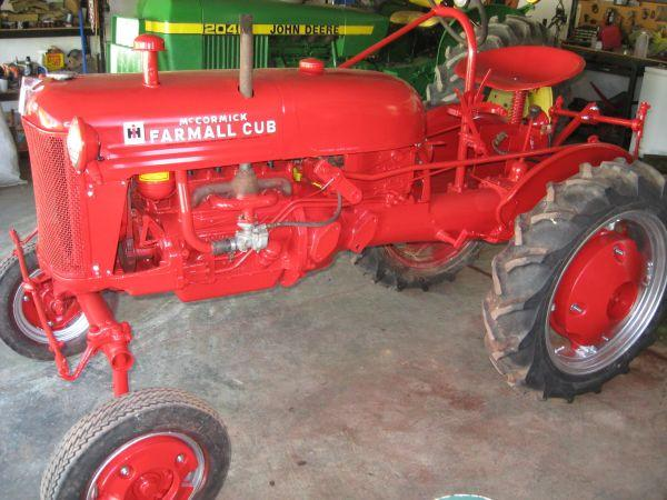 FOR SALE FARMALL CUB TRACTOR