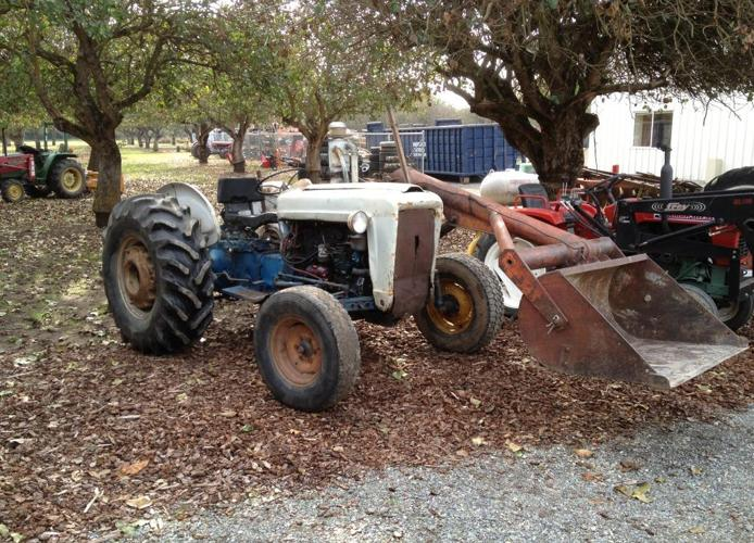 Ford 4000 Diesel Tractor : Ford tractor with loader hp diesel red bluff