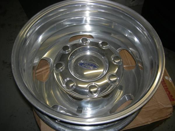 Ford F350 17dually alum wheels