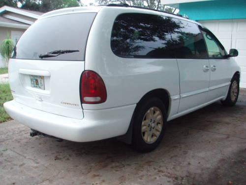 Ford Windstar 1996 White Minivan Local Pickup  Obo For