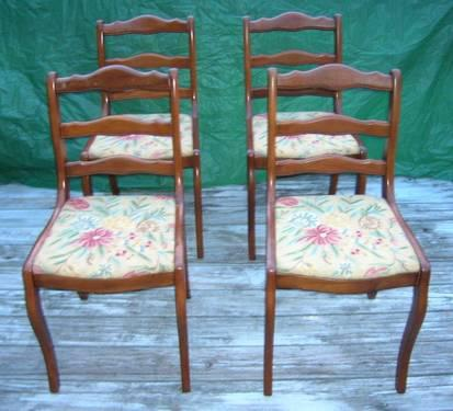FOUR EXQUISITE VINTAGE CHAIRS WITH EMBROIDERED SEAT