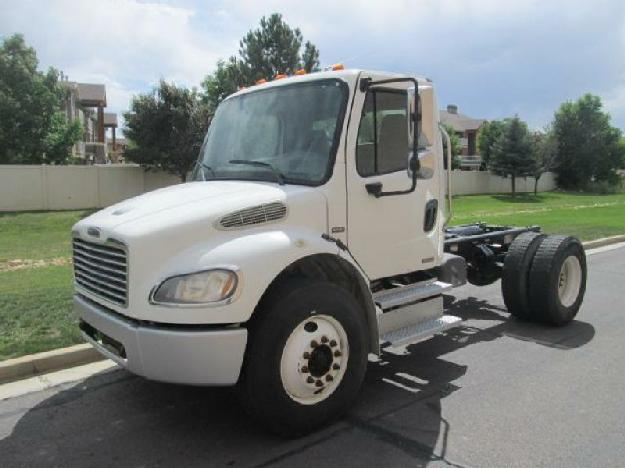 Freightliner business class m2 106 cab chassis truck for