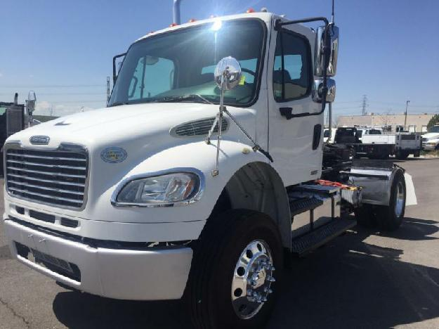 Img further Pbp S Main moreover Cascadia X furthermore  likewise Da. on freightliner m2 exhaust stack