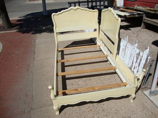 French Provincial Twin Bed Set Toile Treasures For