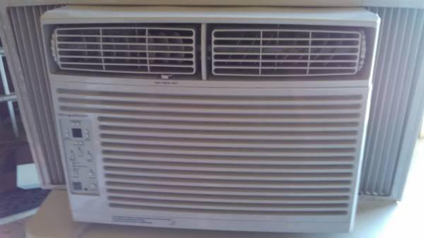 Frigidaire 10 000 Btu Window Air Conditioner For Sale In