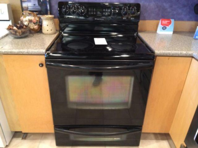 Frigidaire Black Smooth Top Electric Range Stove Oven - USED for ...