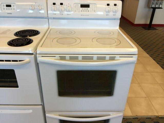 Frigidaire Gallery White Smooth Top Range Stove Oven
