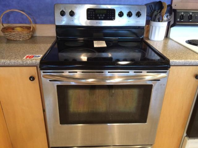 Frigidaire Stainless Smooth Top Range Stove Oven Used