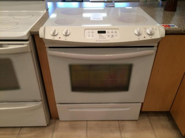 Frigidaire White Slide In Electric Range Stove Oven Used