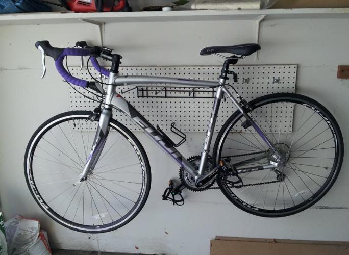 FUJI High Performance Road Bike