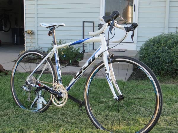 Fuji Sportif 1 3 Road Bike - $575