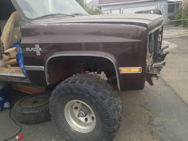 full size 87 Chevy blazer k5 4x4 - $100