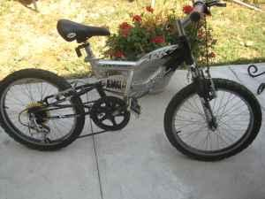 full suspension Vertical PK7 Kids mountain bike - $90