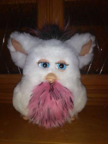 FURBY COLLECTIBLE 2005