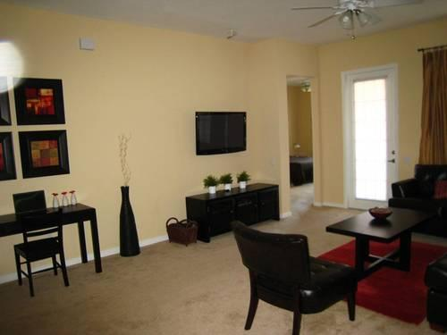 Furnished apartment for monthly rental