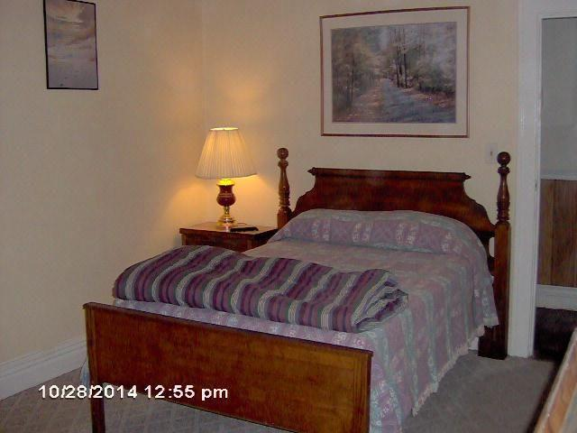 Furnished Room With Cable Tv Free Internet And Utilities