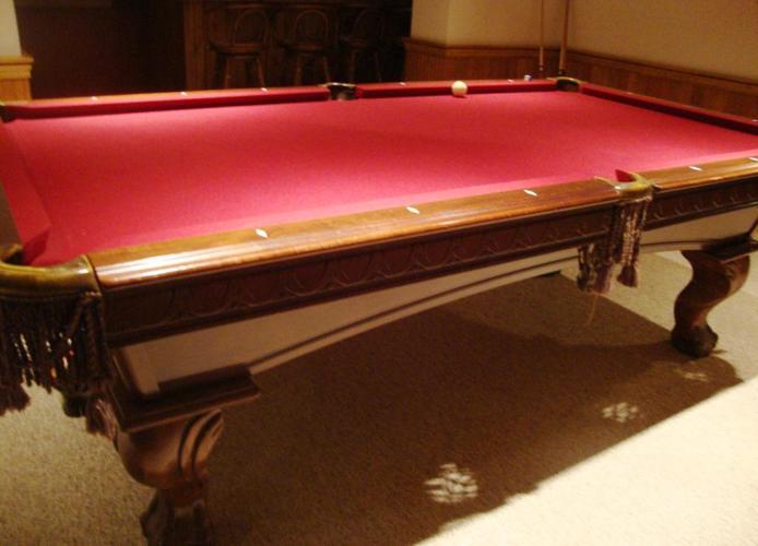 Game Room Red Felt Carved Pool Table Ambling Set