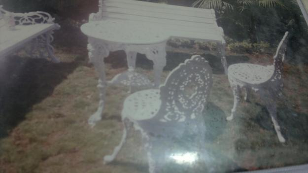 Garden bench 3 seeter new i am manufacture of cast iron  wrought iron furniture