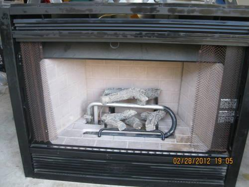 GAS FIREPLACE - NEW - READY TO INSTALL
