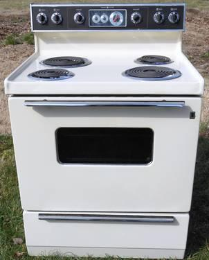 Whirlpool Self Cleaning Electric Range Kitchen Liances For In High Point North Carolina And Stoves Ranges Refrigerators