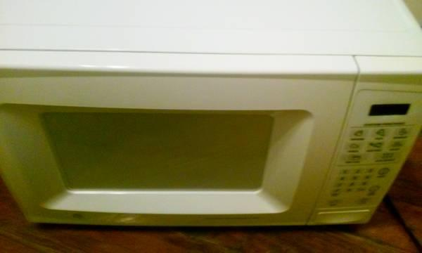 Ge microwave great condition for sale in reading for Furniture reading pa